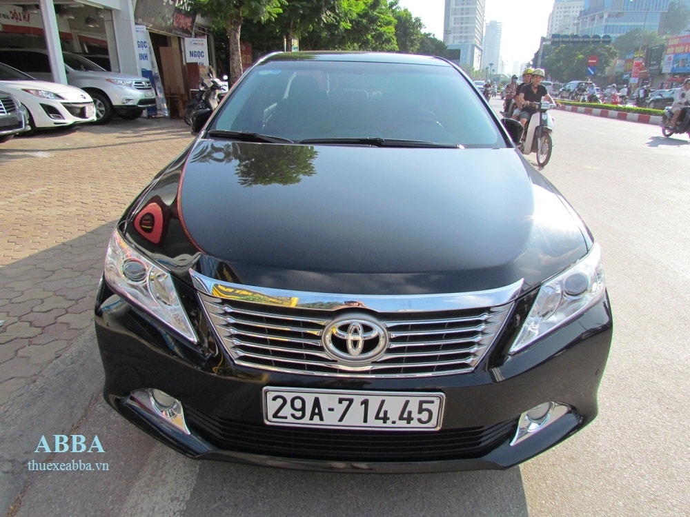 cho thuê xe 4 chỗ giá rẻ Toyota Camry
