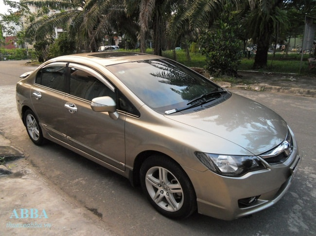 thuê xe 4 chỗ giá rẻ tại hà nội Honda Civic